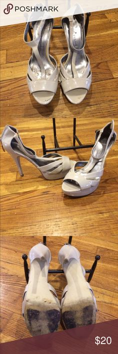 Marc fisher heels Marc fisher heels with zipper in the back. Very sexci Marc Fisher Shoes Heels