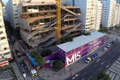 MIS Under Construction in Rio #gevel #museum #circulatie #diagonaal #werf