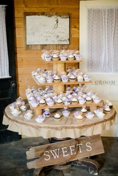 This is how I want my cupcakes displayed. The wood sign and the sepia picture in the back