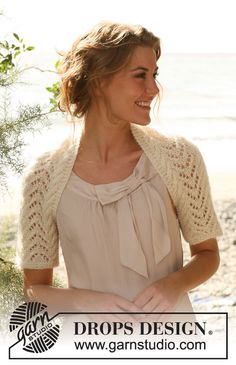 """Knitted DROPS shrug with cables and lace pattern in """"Alpaca"""" and """"Kid-Silk"""". Size: S - XXXL. ~ DROPS Design"""