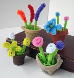 Make and Takes Craft Ideas, Kids Crafts, Recipes and More Home Kids Crafts Home Projects Recipes Family Fun Spotlight Book Miniature Flower Pots Pipe cleaner flowers. Kids Crafts, Spring Crafts For Kids, Home Crafts, Crafts To Make, Art For Kids, Mothers Day Crafts For Kids, Toddler Crafts, Holiday Crafts, Pipe Cleaner Flowers