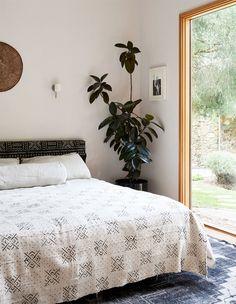 modern bedroom in melbourne home. / sfgirlbybay