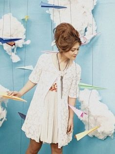 How about make a picture booth with these cute paper planes for the wedding? (: