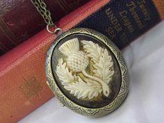 The white gold diamond horseshoe pendant features of round white diamonds. Scottish Thistle, Skye Scotland, Antique Jewelry, Vintage Jewelry, Bronze, Cameo, I Love Jewelry, Women Jewelry, Gifts