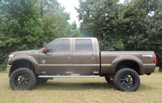 """2015 ford f-250 with 22"""" wheels with 6'' suspension lift. 