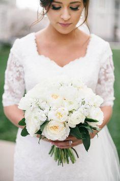 White Bouquet | Jovanna & Chase SLC Temple wedding, Charming Details blog