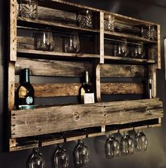35 trendy ideas for home bar pallet wine glass Bar Pallet, Pallet Wine Rack Diy, Rustic Wine Racks, Pallet Signs, Pallet Patio, Pallet Furniture Wine Rack, Dyi Wine Rack, Pallet Shelves Diy, Wine Rack Wall