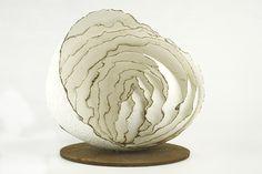 """""""Willi"""", 2013, handgeschöpftes Papier, Eisen, 35 x 30 x 30 cm, 580,-"""