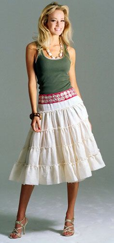 TIERED SKIRT(FALDA CON OLANES)