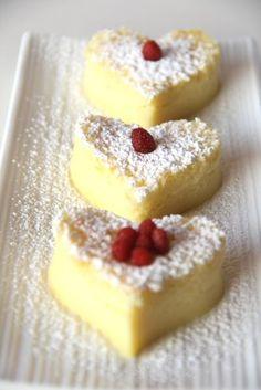 Torta Magica tagliata con formine a cuore!
