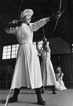 Ken Domon, Young Nurses of the Red Cross, Azabu, Tokyo 1938 (bow, archery, training)