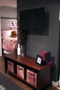 Eight Hundred Sq. Ft.: Single Girl Bachelor Apartment