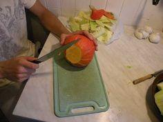 Przygotowywanie zupy dyniowej