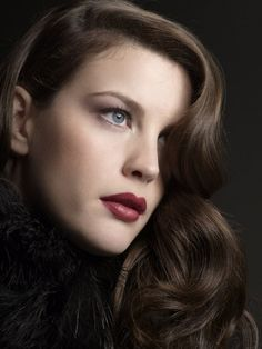 Picture of Liv Tyler A large collection of photos of beautiful girls on the beach, in the car, in the countryside. Look more. Steven Tyler, Liv Tyler, Lisa Kelly, Timeless Beauty, Classic Beauty, Classic Elegance, Most Beautiful Women, Beautiful People, Color Type