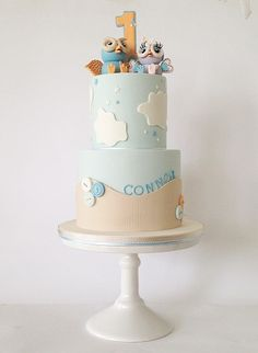 Such a gorgeous Hoot and Hootabelle cake created by our sister company Sticky Face Cakes check them out on FB