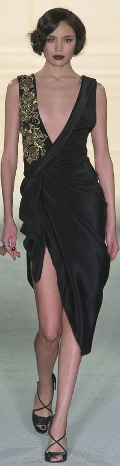 AFTER a last season hiatus to London, Marchesa was back on the New York Fashion Week schedule today flying the flag for Hollywood glamour. Runway Fashion, High Fashion, Fashion Show, Marchesa, Look 2015, Blonder Bob, Trendy Haircuts, Short Hairstyles, Party Dresses