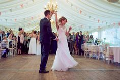 Wedding at Friars Court, Clanfield, Near Oxford by Lawes Photography  #friarscourtwedding #lawesphotography #weddingphotography #friarscourtweddingpictures