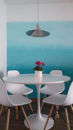 Mesa Tulipa Saarinen, 90 cm de tampo de lacca branco. FABRICAÇÃO PRÓRPIA #saarinen #mesatulipa #tulisaarinen #decoração Eames, Mesa Saarinen, Dining Table, Chair, Furniture, Home Decor, Tulip Table, Round Dining, Round Dining
