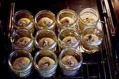Ganzer Bratapfel im Glas