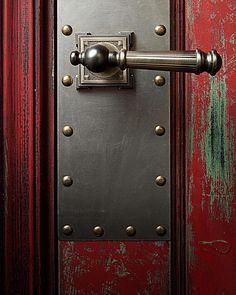 Детали нашего нового проекта Красная голландская дверь из коллекции #лофт #loft…