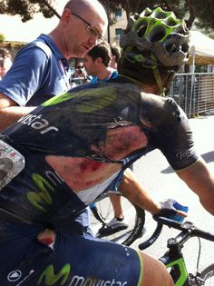 Adriano Malori after a crash into a muddy ditch at Passo Cento Croci, Giro d'Italia (2014). photo: Yuzuru Sunada