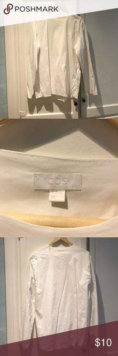 Men's COS White Side Shoulder Zipper Shirt Size M A Men's COS White Side Shoulder Zipper Shirt Size M in great condition. From a private estate in Beverly Hills, CA. Sorry no trades. COS Shirts