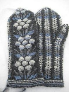Kainuun lapaset - mittens from Kainuu Crochet Mittens, Mittens Pattern, Knitted Gloves, Knitting Socks, Knit Crochet, Knitting Machine, Knit Socks, Palestinian Embroidery, Knitting Projects