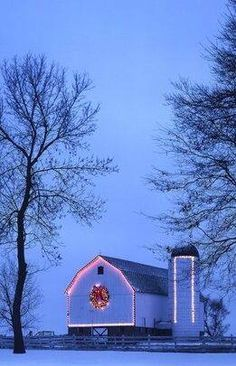 Barn is decorated with Christmas illuminations.Christmas in the country Country Barns, Old Barns, Country Life, Country Living, Noel Christmas, Country Christmas, Christmas Lights, White Christmas, Barn Pictures
