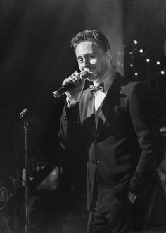 Sing me a Song, Tom.... it doesn't matter what *^-^*