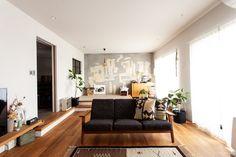 #T様邸南行徳 #リビング #livingroom #小上がり  #躯体現し #EcoDeco #エコデコ #リノベーション #renovation #東京 #福岡 #福岡リノベーション #福岡設計事務所 Couch, Living Room, Architecture, Space, Interior, Furniture, Home Decor, Instagram, Arquitetura