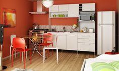 Cozinha compacta com conjunto de mesa e 4 cadeiras