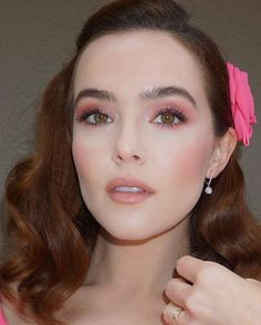 Zoey Deutch, True Beauty, Hair Makeup, Goddesses, Jewelry, Babies, Artists, Couture, Rose