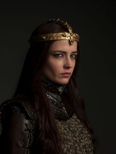Eva Green as Morgan, portrait by Michael Muller for Camelot. Fantasy Photography, Amazing Photography, Actress Eva Green, Yennefer Of Vengerberg, Famous Photographers, French Actress, Kristen Stewart, Character Inspiration, Actresses