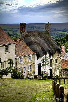 Gold Hill, Shaftesbury, Dorset, #England. Our tips for rhings to do in Dorset: http://www.europealacarte.co.uk/blog/2012/10/19/what-to-do-dorset/