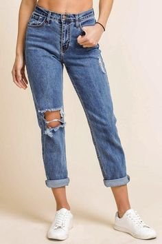 2264c0dd92864 7 Best Women's boyfriend jeans images   Casual outfits, Casual ...