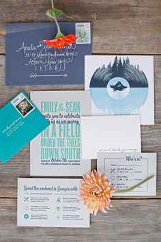 Conjunto de papelaria para um destination wedding com direito a instruções para o final de semana, cartão para RSVP com envelope customizado para postagem e muita personalidade!