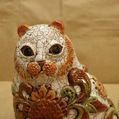 Кот -скульптура, керамика. Handmade. Кот шамот керамика, бежевый. Каминная скульптура - кот . Небольшая работа, высотой 13,5 см . Лепной в ручную. 3000 руб.