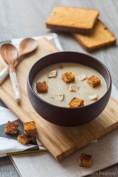 Chestnut Velouté with Foie Gras & Gingerbread Croutons No Salt Recipes, Soup Recipes, Cooking Recipes, Oyster Recipes, Foie Gras, Healthy Breakfast Recipes, Healthy Drinks, Food Inspiration, Love Food