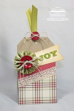 "Document It December, Accent It Flags & Tags, Traditional Tags STAX Die-namics, 3/8"" Rosette Die-namics - Jackie Pedro"