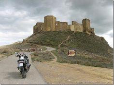 Castillo de Montearagón (Huesca)  #castillomontearagon #montearagon #huesca #quicena #viajesyrutasenmoto #bmwmotorrad #bmwgs1200lc