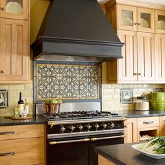 Craftsman Character  ( Love the gas stove, down the road that's what my husband and I are planning to put into our kitchen )