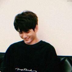 [ong seongwoo as your bf] Boyfriend Look, Boyfriend Material, Love At First Sight, First Love, Ong Seung Woo, Hd Love, Raw Photo, Kim Myung Soo, Kim Jaehwan