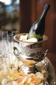 Vintage Champagne, Vintage Wine, Vintage Ideas, Vintage Stuff, Vintage Silver, Vintage Cars, Cheers, Dom Perignon, Champagne Buckets