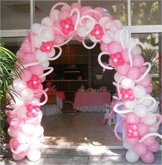 Arco em balões, decoração arco em balões com flores, arco em balões decorado, arco de balões para festas, arco de balões para empresas, arco de balões para eventos.