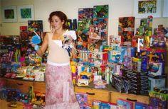 Speelgoed voor de speelgoedtour, georganiseerd met het geld dat is opgehaald door de collectanten die in de supermarkten hebben gestaan.
