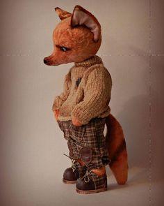 Вы не против небольшого фотоспама моих работ, которые вернулись домой с выставки #moscowfair2016, так и не найдя дом ? Лис. Как зовут, не сказал.  Скоро будет доступен для покупки на Ярмарке мастеров.  #лис #всякаямелочевка #ботинки #свитер #брюки #рыжий #продается #ищетдом #livemaster #fox #teddy #handmade