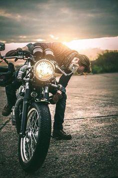 Triumph Bonneville,motorcycle, motorcycles, rider, ride, bike, bikes, speed, cafe racer, cafe racers, open road, motorbikes, motorbike, sportster, cycles, cycle, standard, sport, standard naked, hogs, hog #motorcycle: