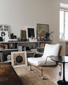 Retro home decor - Fab to Amazing thoughts. diy retro home decor living rooms smashing example reference 7227582214 shared on this day 20190331 Retro Home Decor, Home Decor Styles, Cheap Home Decor, Decor Room, Living Room Decor, Living Spaces, Living Rooms, Room Decorations, Living Area