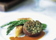 The Culinary Institute of America Food Enthusiasts :: Beef Tenderloin with Blue Cheese and Herb Crust