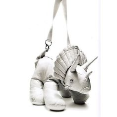 Giles Deacon I have an obsession with plush toy bags, maybe I should figure out… Giles Deacon, Paisley, Cute Bags, Purses And Bags, Ugly Purses, Baby Love, Kids Fashion, Geek Fashion, Fashion Ideas